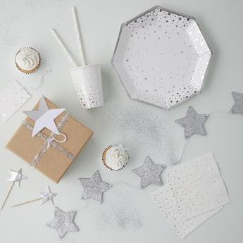 theme-anniversaire-adulte-noir-blanc-argent-decoration-de-table-etoiles-argent