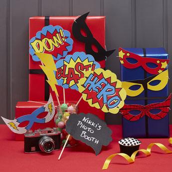 cadeaux-invites-photobooth-anniversaire-garcon-accessoires-photobooth-super-heros