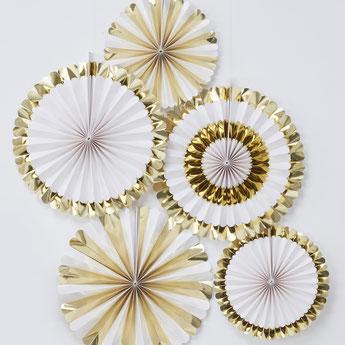 5 rosaces blanches et dorées deco baby shower bapteme anniversaire