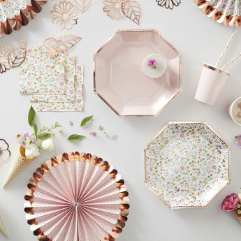 theme-bapteme-fille-fleurs-bohemes-decoration