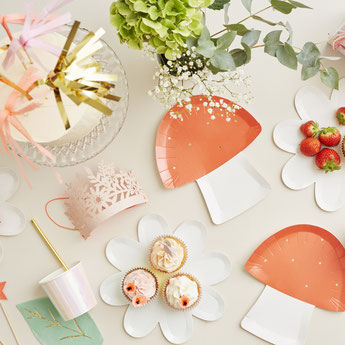 anniversaire-fille-theme-fee-decoration-table-meri-meri.jpg