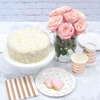 anniversaire-enfant-theme-fleurs-pastels-deco-table-rose-gold.jpg