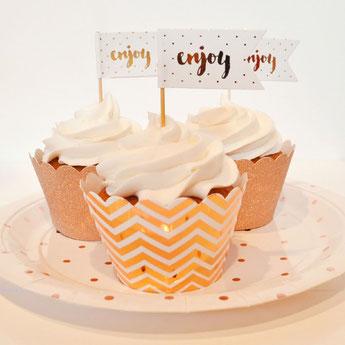 decoration-gateau-anniversaire-adulte-caissettes-gateaux-piques-gateaux-rose-gold