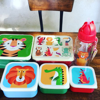 BOITES A GOUTER ET GOURDES ENFANT - KIDS LUNCHBOXES AND DRINK BOTTLES