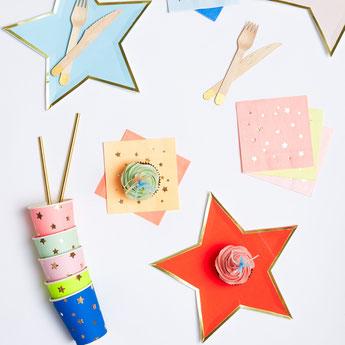 anniversaire-enfant-theme-multicolore-decoration-de-table