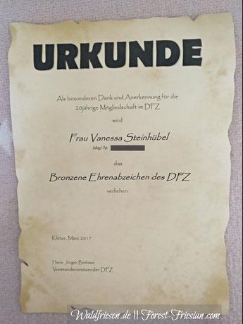 Seit mehr als 20 Jahre im DFZ - dem Verein deutscher Friesenzüchter. ||www.waldfriesen.de www.forest-friesian.com