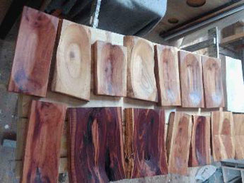 Massivholzschalen aus Obstholz, © Ladenbau Berschneider, Deining