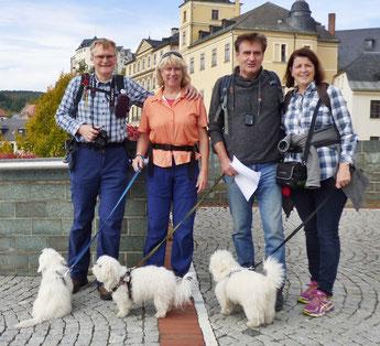 Vor dem Unteren Schloss in Greiz
