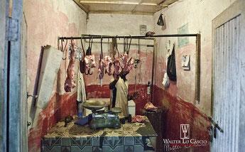 Tipica macelleria malindina. Gratis 1 Kg. di carne di cane a chi individua il sorcio nella foto.