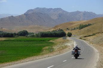 Quer durch das wunderschöne Zagros-Gebirge