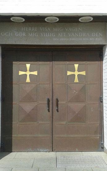 Das Kirchentor der Birgittaschwestern in Vadstena.