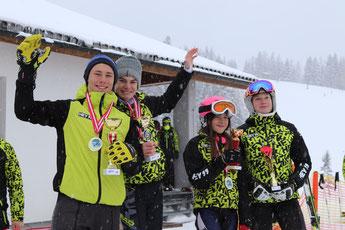 v.l.n.r.: Jakob Reichart, Tim Eybl, Sophie Marko, Nikola Röhrer.