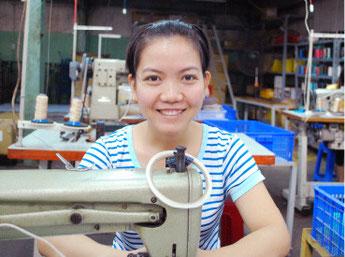 ベトナム工場 ミシン縫製部リーダー