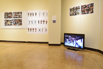 田植え踊りの継承に取り組む中学生の姿を記録展示(ギャラリー・オフグリットにて)