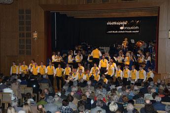 Konzert 2012 ...Männerchor uns Damenkapelle!