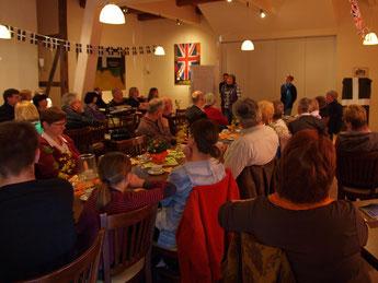 Mit 80 Besuchern war der Saal gut gefüllt. - Foto: Kathy Büscher