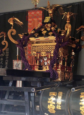 浅草のお神輿