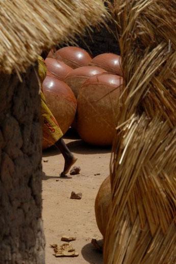 Au village des grandes jarres, Sindou