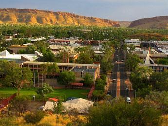 Alice Springs - inmitten in Australien - 30.000 Menschen leben hier