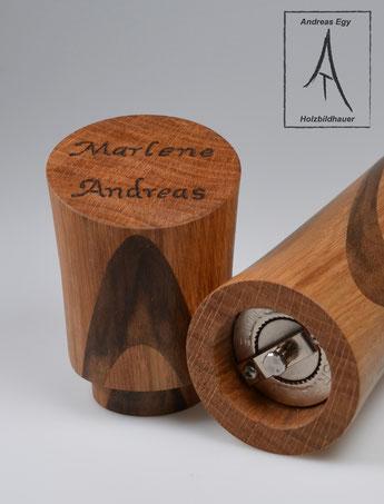 Pfeffermühle aus edlem Holz. Mit eingbranten Namen ein ganz persönliches Geschenk