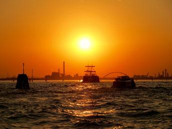 Hohe Welle in der Lagune von Venedig