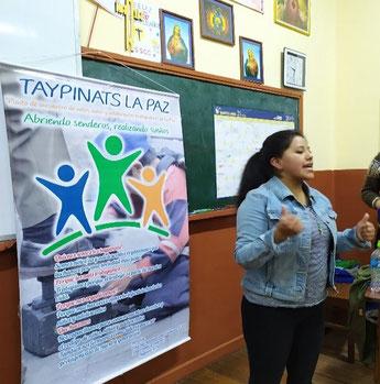 Nadia Mendoza in einer Schule von La Paz