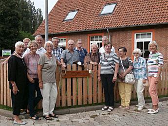 Der Freundeskreis der Stiftung bei der Taufe der 'Pilgergasse'