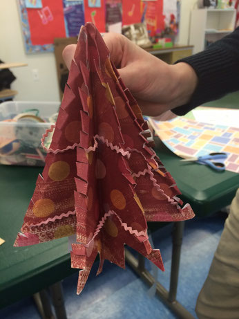 polka dot origami Christmas tree