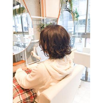 横浜・石川町、美容室Grantus,ヘアスタイル、ミディアム、ボブ、外国人風カラー、ウェット、スタイリング剤