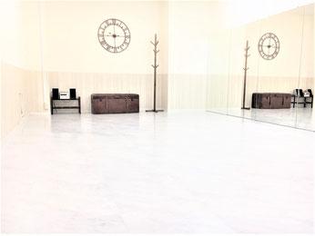 UraraDance横浜 関内店 ホワイトスタジオ