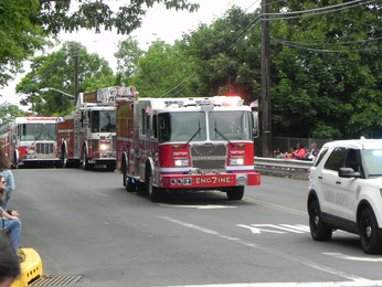 Fanwood Car 1, Engine 7, Ladder 1 and Engine 8 crossing the Martine Avenue bridge