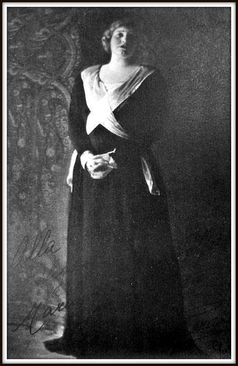 Umberto Giordano - ANDREA CHENIER - (Maddalena)