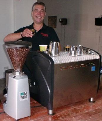 Wir bieten Ihnen professionellen Kaffee-Service vor Ort!