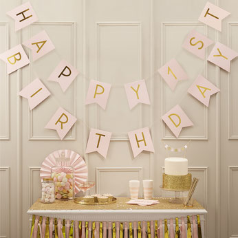 deco-de-salle-anniversaire-1-an-guirlande-rose-pastel