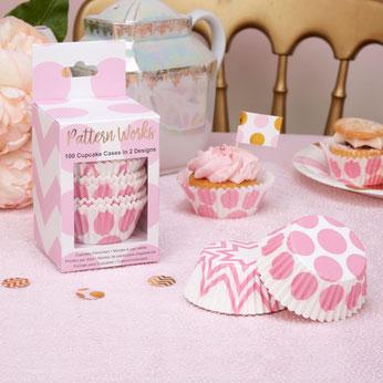 kits-cupcakes-caissettes-gateaux-decoration-gateau-bapteme-caissettes-rose-pastel