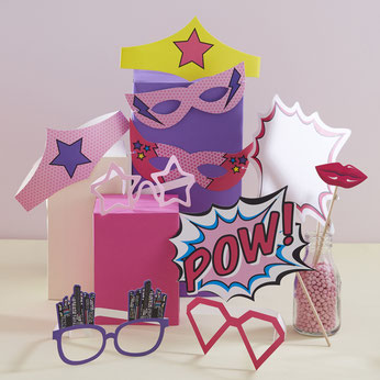 anniversaire-theme-super-heros-fille-photobooth