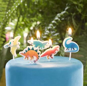 bougies-dinosaures-multicolores-decoration-gateau-anniversaire-dinosaure