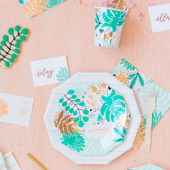 baby-shower-jungle-tropical-deco-table