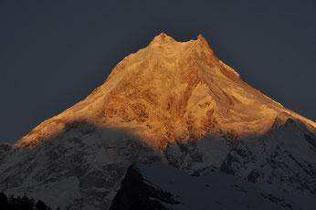 紅染めの山頂(ネパール/ロー)(全紙)
