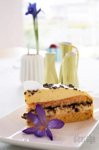 dieartigeBLOG - Eierlikör-Möhren-Torte