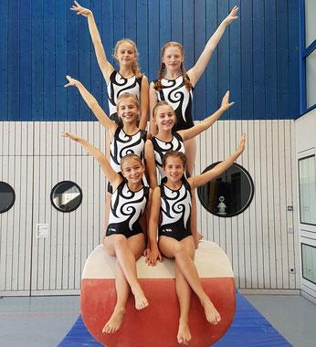 B-Mannschaft: 1 Reihe: Hanna Noll, Louise Eudelle. 2. Reihe: Nina Rudolf, Lea Stocker. 3. Reihe: Lara Gielen, Rosalie Rudolf.