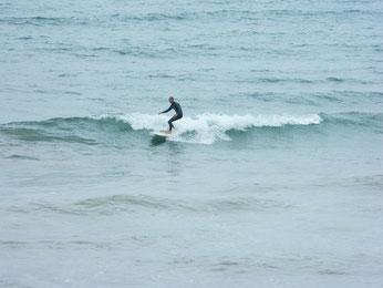 早朝はまとまっていなかった波も徐々にまとり乗れていましたよ。