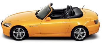 当時は10カラーも発売された典型的なスポーツカーだ