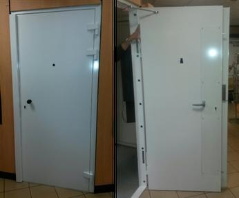 Bloc-porte blindée CR3 intérieur d'agence bancaire