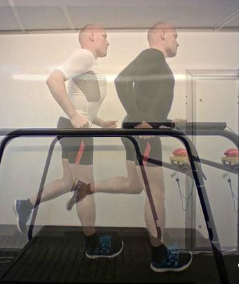 durch Über- oder Nebeneinanderlegen von 2 Videos werden Vergleiche gemacht, verschiedene Schuhe, vor und nach einer Versorgung ...