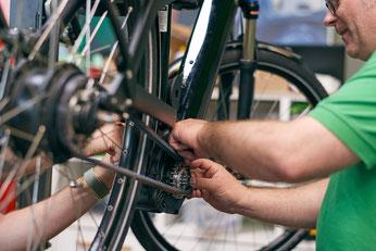 e-motion e-Bike Welt Düsseldorf - Werkstatt e-Bike Service