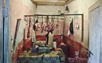 Tipica macelleria malindina. Gratis 1 Kg. di carne di cane a chi individua il sorcio nella foto. By Walter Lo Cascio