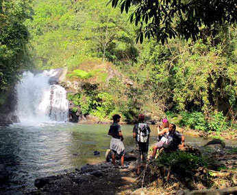 Badeplatz mit Wasserfall
