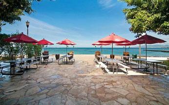 waikiki-barefoot-beach-cafe