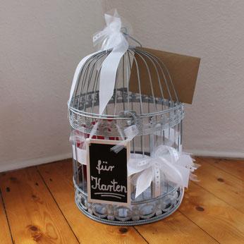 Kartenbox für Karten und Glückwünsche zur Hochzeit als grauer Vogekkäfig zum Ausleihen